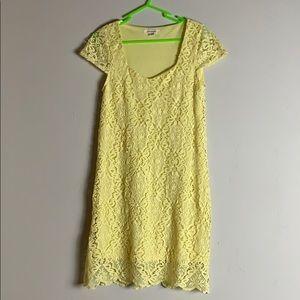 Yellow lace short sleeve dress